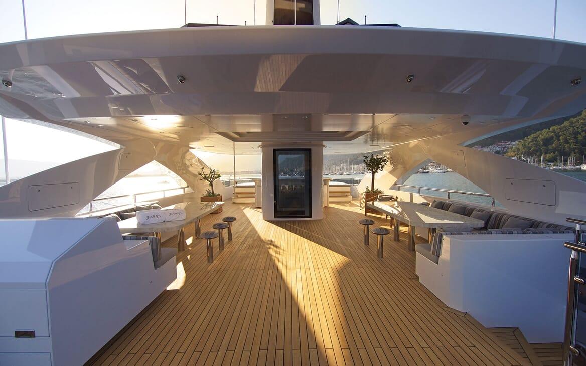 Motor Yacht BABA'S Sun Deck