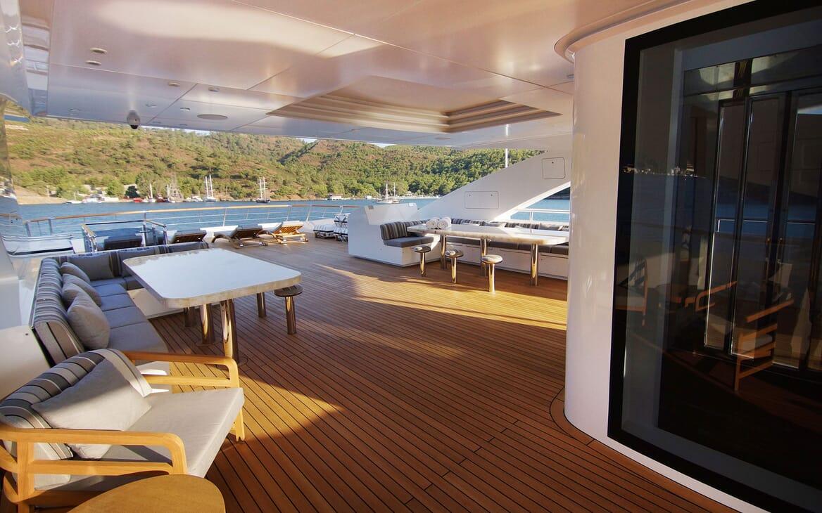 Motor Yacht BABA'S Sun Deck Aft