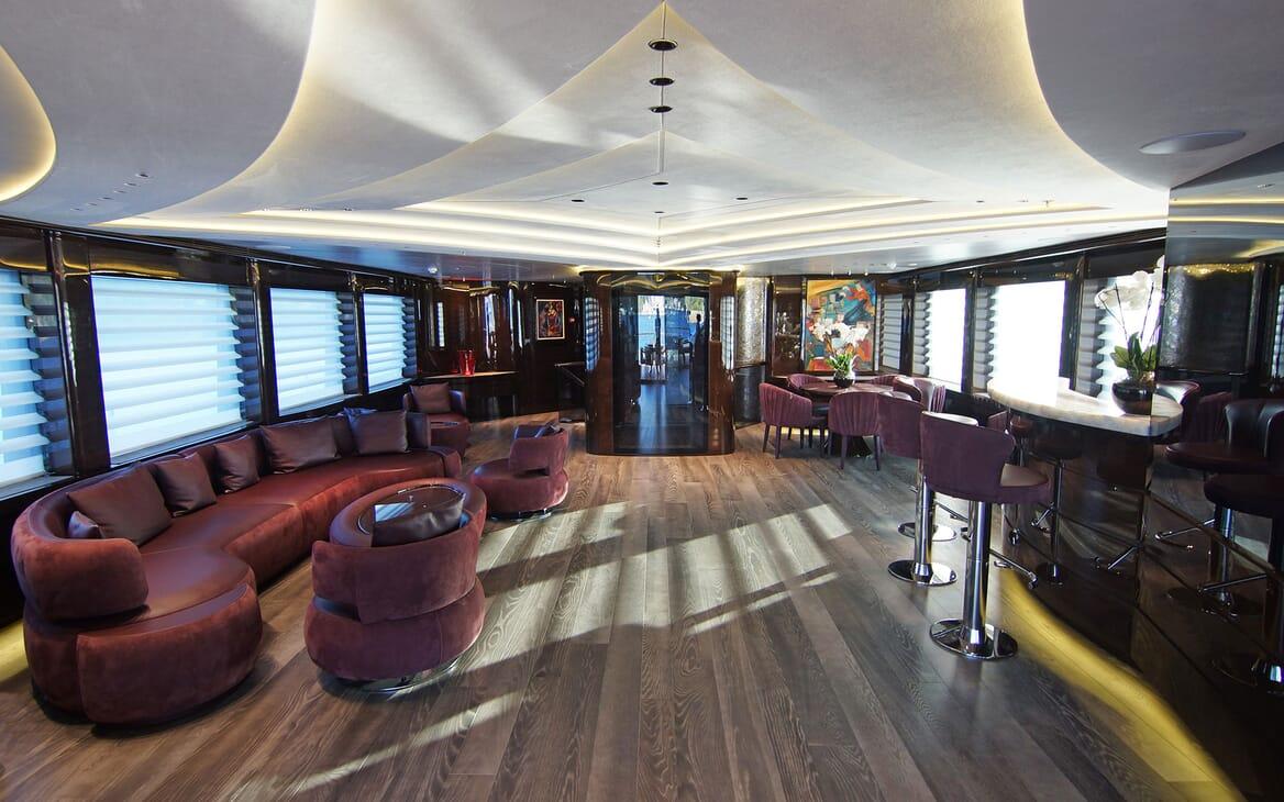 Motor Yacht BABA'S Main Saloon