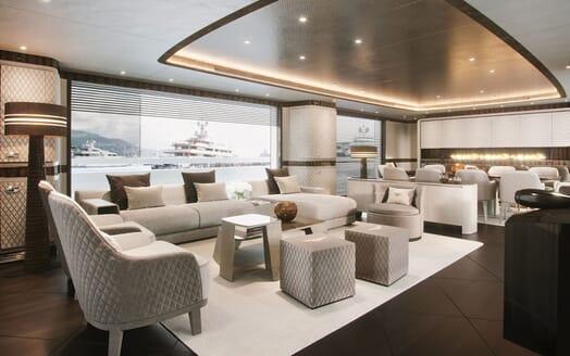 Motor Yacht DYNAMIQ G350 Main Saloon 3