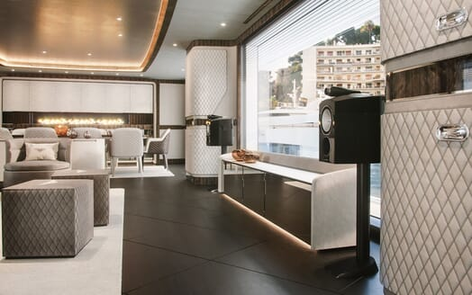 Motor Yacht DYNAMIQ G350 Speakers