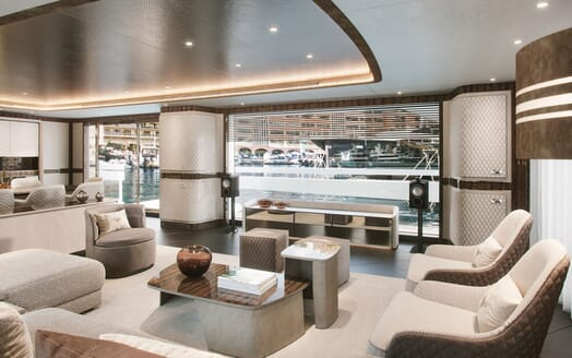 Motor Yacht DYNAMIQ G440 Main Saloon View