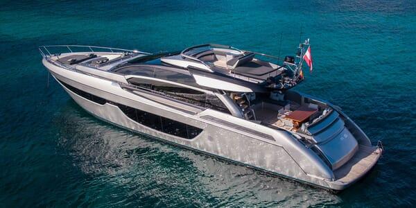 Motor Yacht JULIA S Profile