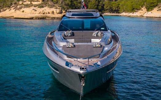 Motor Yacht JULIA S Bow Exterior