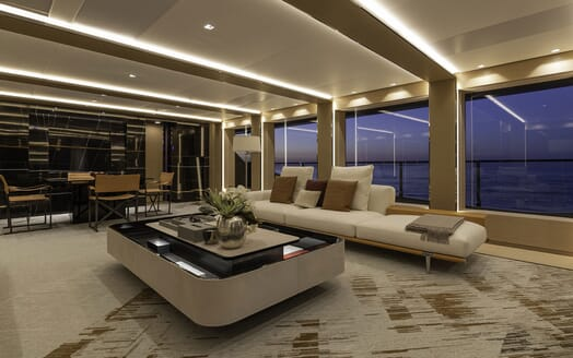 Motor Yacht LEL Main Salon Seating
