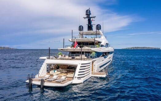 Motor Yacht LEL Swim Platform