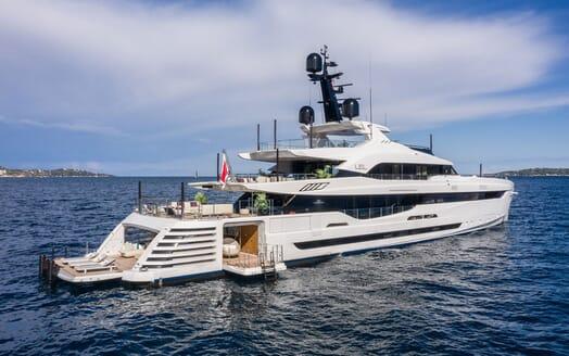 Motor Yacht LEL Side On Exterior