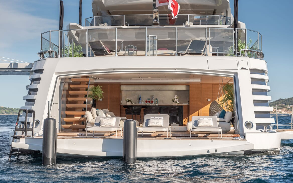 Motor Yacht LEL Fold Down Swim Plaform