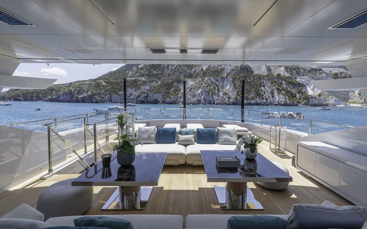 Motor Yacht LEL Sun Deck