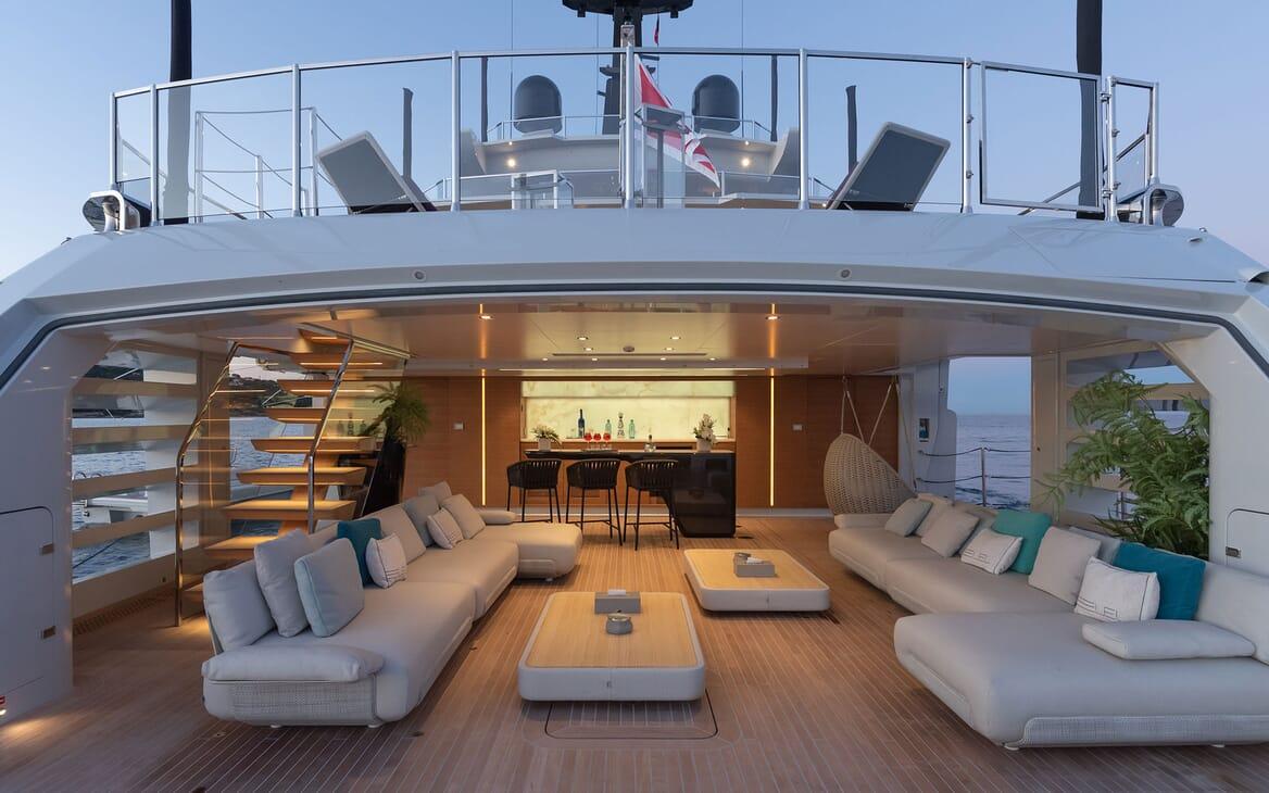Motor Yacht LEL Main Aft Deck