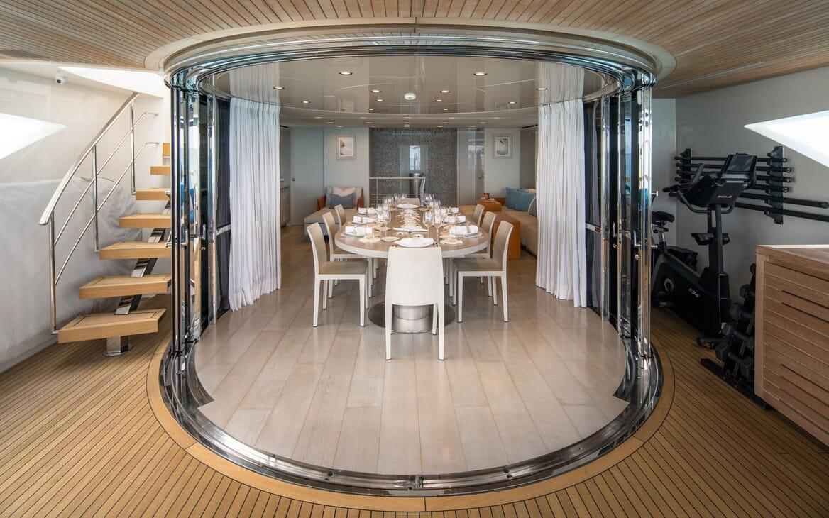 Motor Yacht HALCYON Sky Lounge