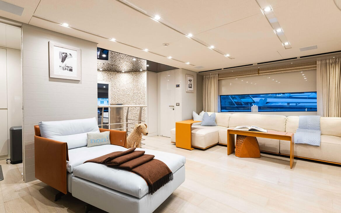 Motor Yacht HALCYON Sky Lounge Seating