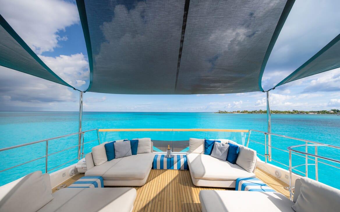 Motor Yacht HALCYON Sky Lounge Dining