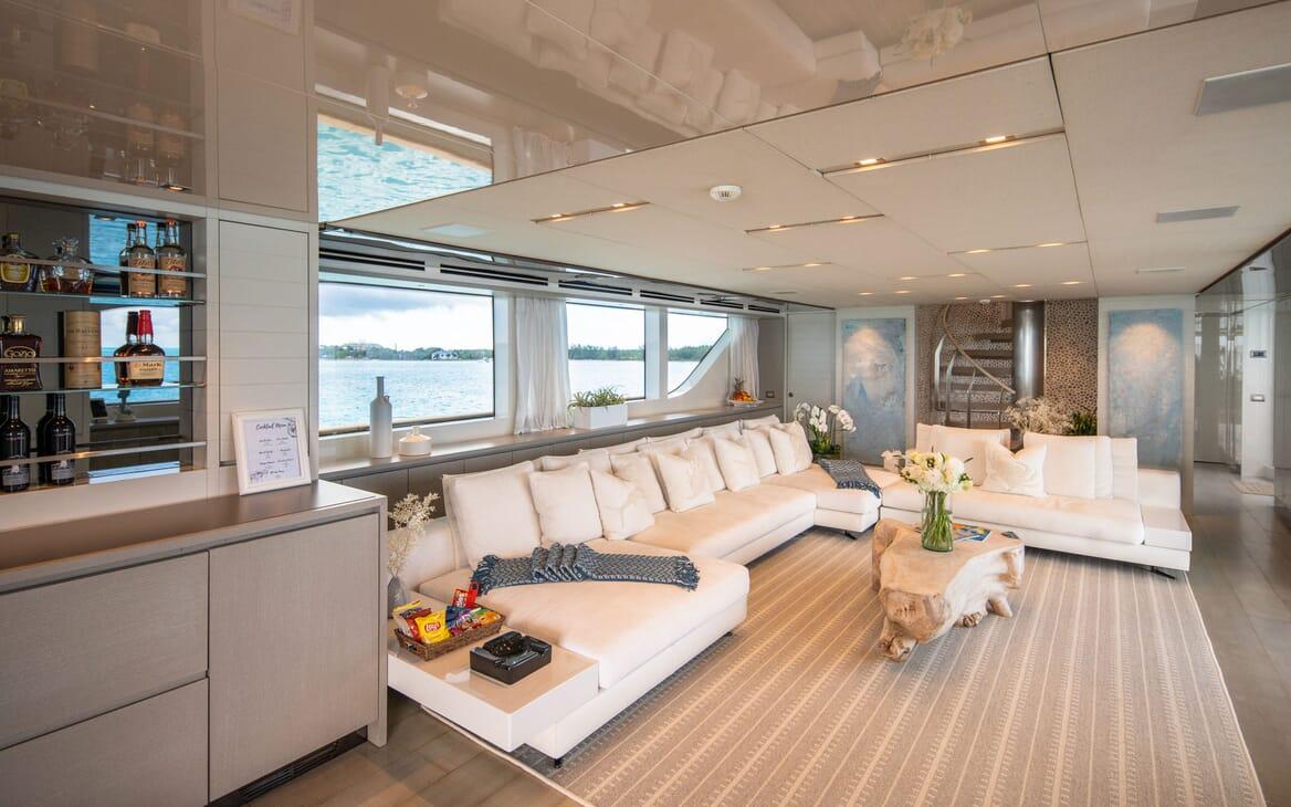 Motor Yacht HALCYON Main Salon 1