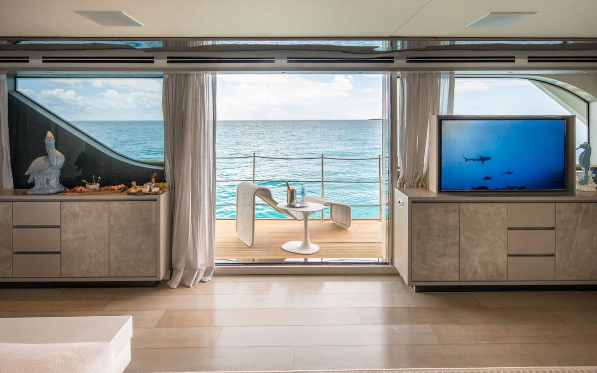 Motor Yacht HALCYON Main Salon 2