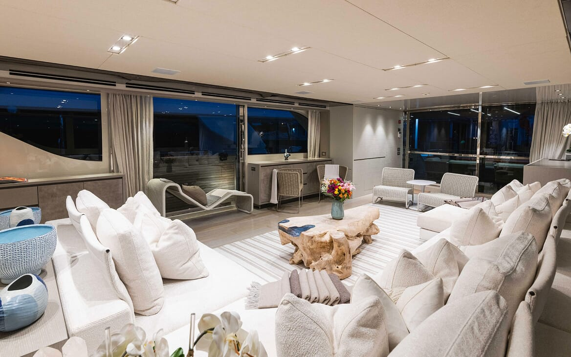 Motor Yacht HALCYON Main Salon 3