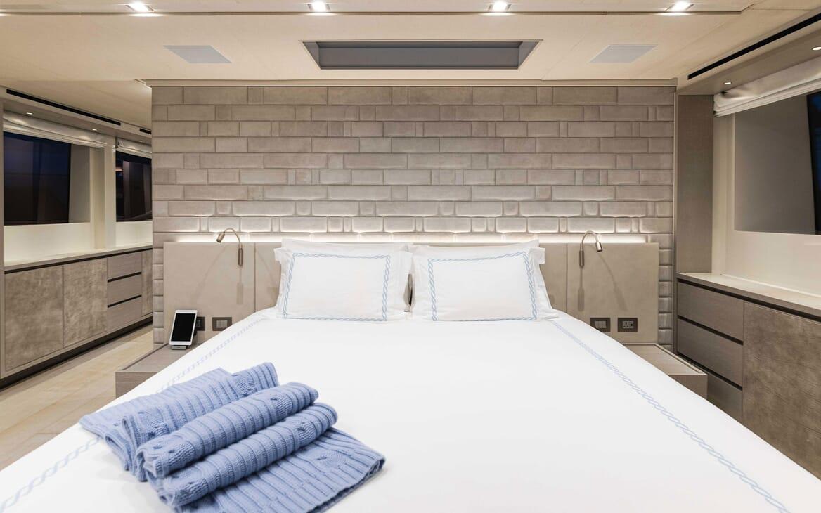 Motor Yacht HALCYON Hallway