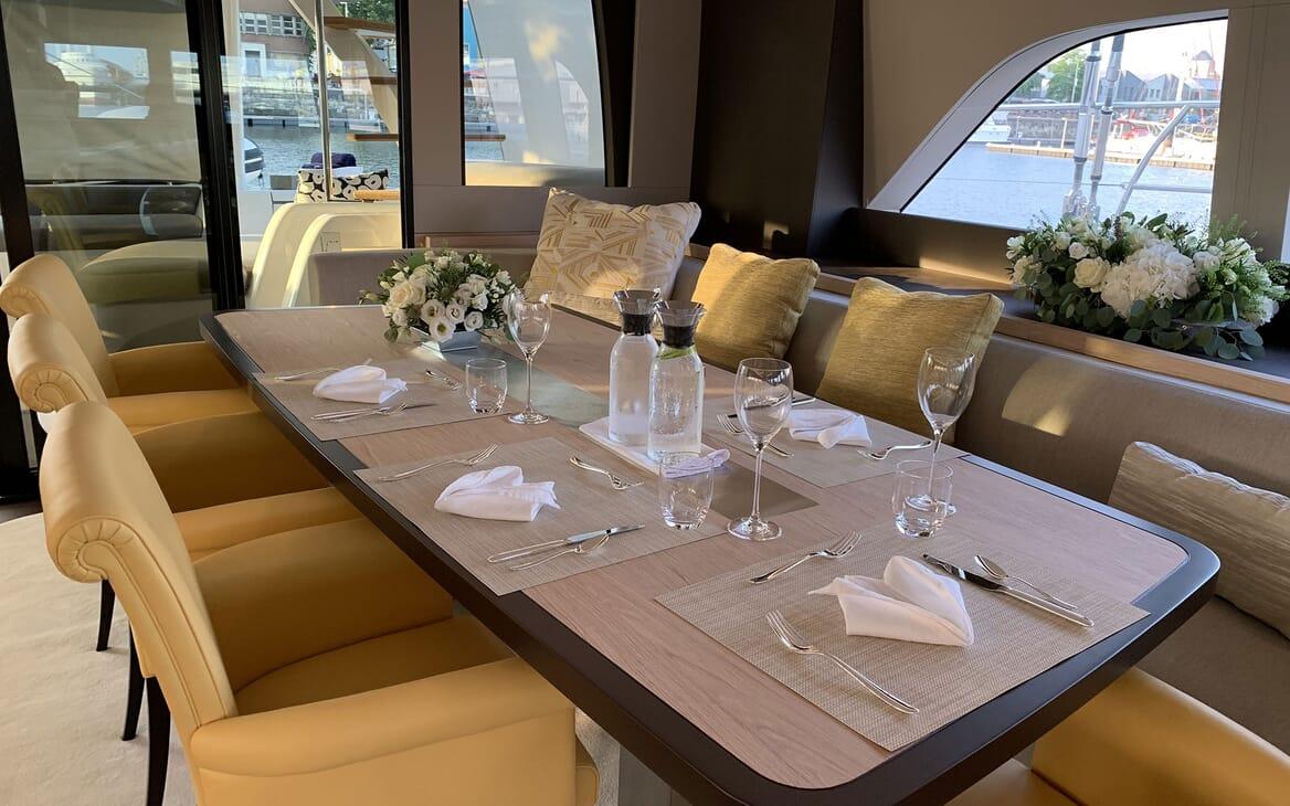 Sailing Yacht THUNDERBOLT Dining Table