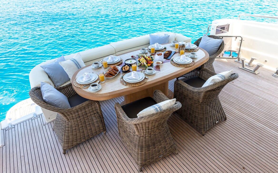 Motor Yacht PAREAKI Aft Deck Breakfast