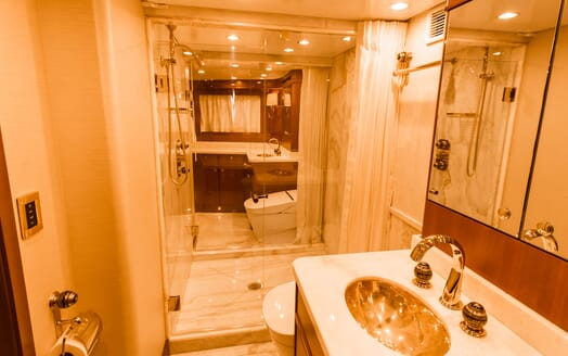 Motor Yacht BLUE Master Bathroom