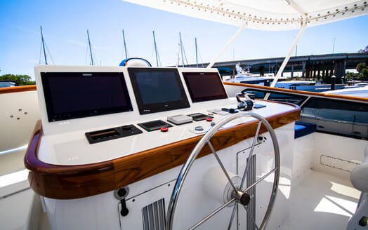Motor Yacht BLUE Sun Deck Wheelhouse