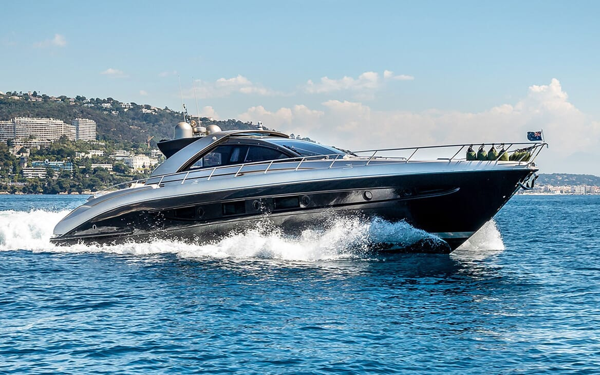 Motor Yacht R Profile Running