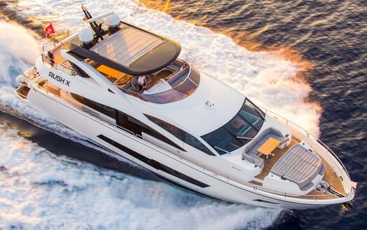 Motor Yacht RUSH X Underway
