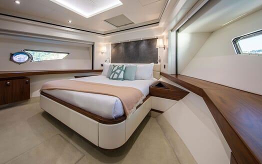 Motor Yacht RUSH X Full Beam Double Stateroom