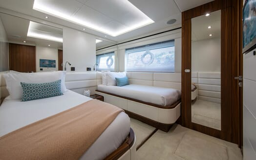 Motor Yacht RUSH X Twin Guest Stateroom
