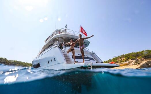 Motor Yacht RUSH X Lifestyle