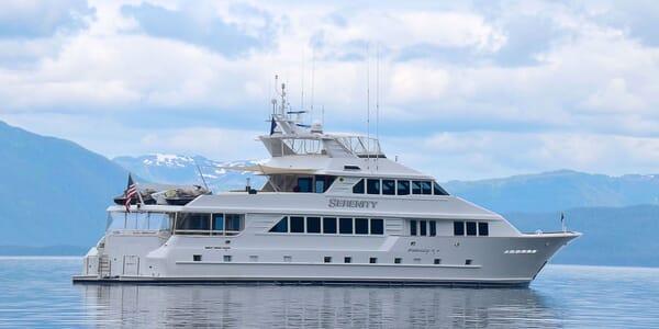 Motor Yacht SERENITY 122 Side On Profile