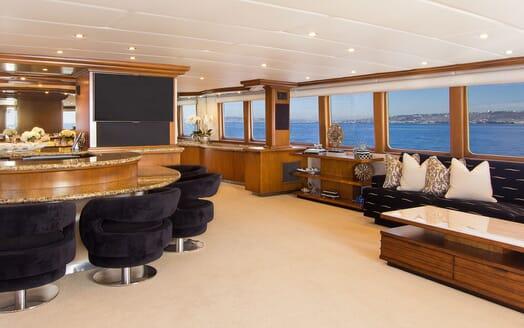 Motor Yacht SERENITY 122 Main Salon