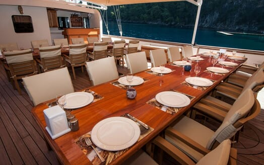 Sailing Yacht TERSANE Second Dining Table