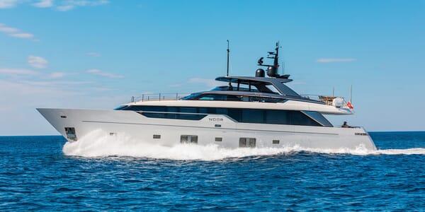 Motor Yacht NOOR II Profile Underway