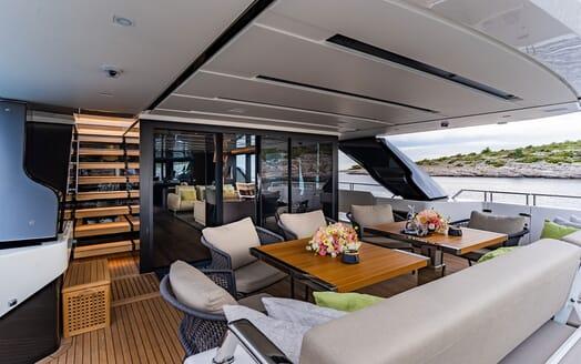 Motor Yacht NOOR II Main Aft Deck Seating