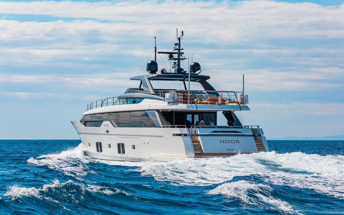 Motor Yacht NOOR II Exterior Aft