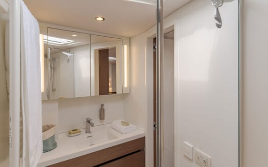 Sailing Yacht CNB 66 Bathroom