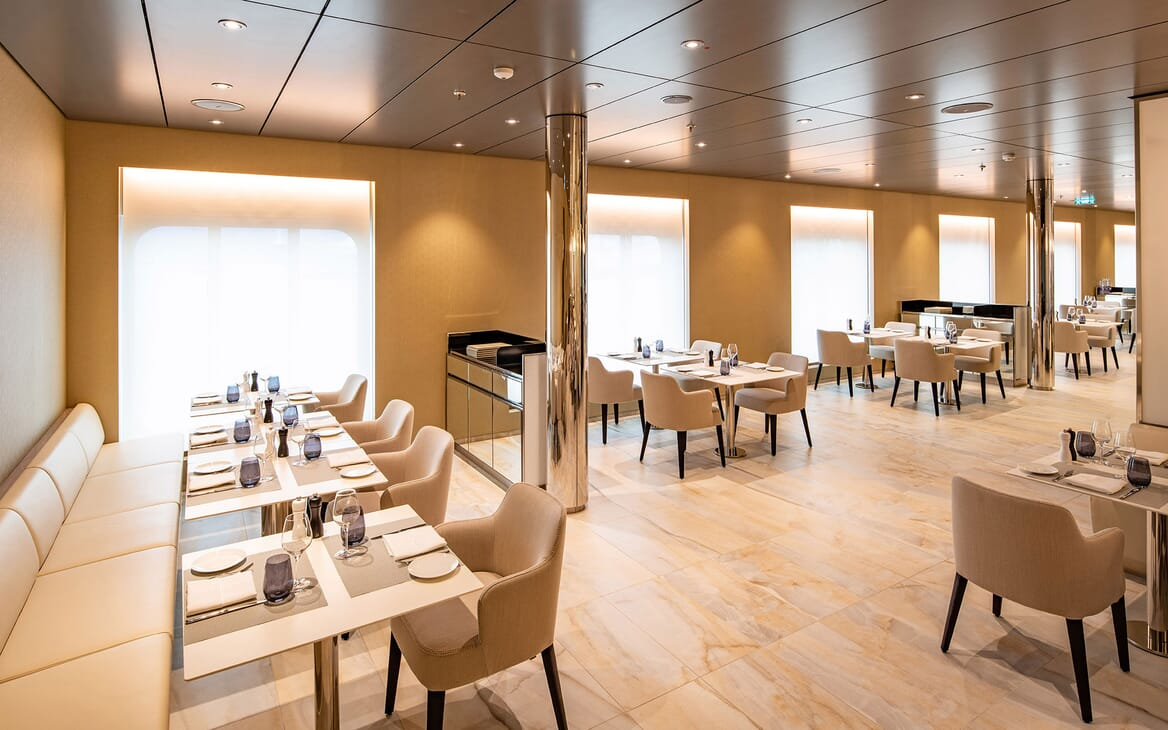 Motor Yacht SCENIC ECLIPSE Restaurant