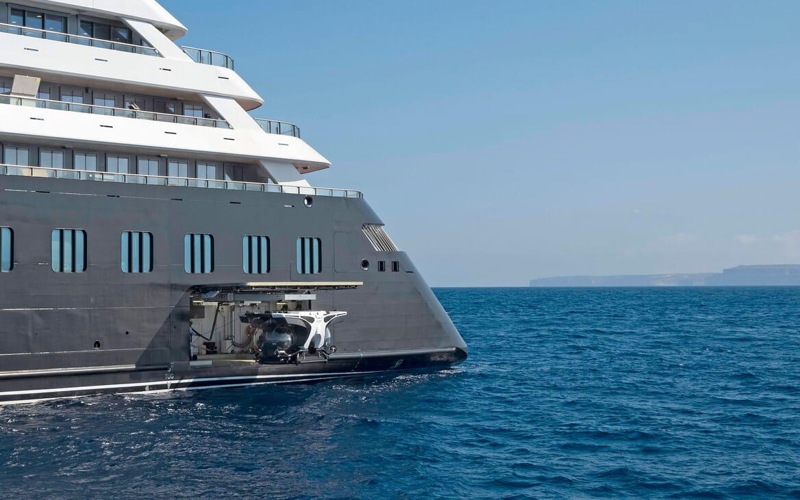 Motor Yacht SCENIC ECLIPSE Submarine