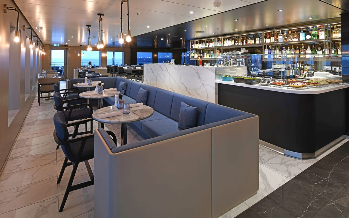 Motor Yacht SCENIC ECLIPSE Buffet and Seating