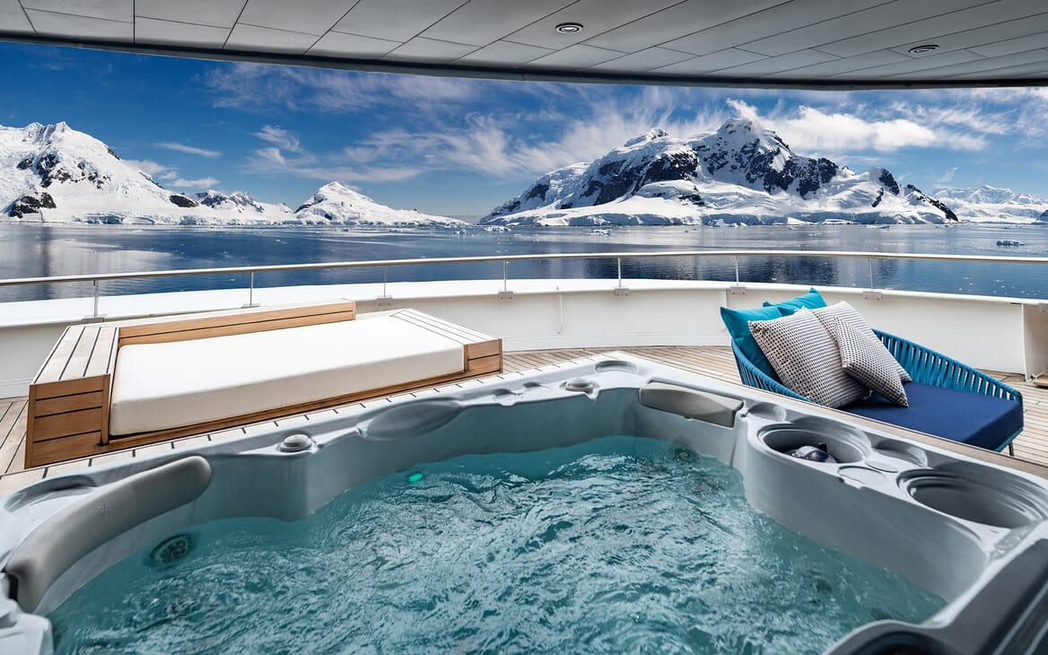 Motor Yacht SCENIC ECLIPSE Jacuzzi with a view