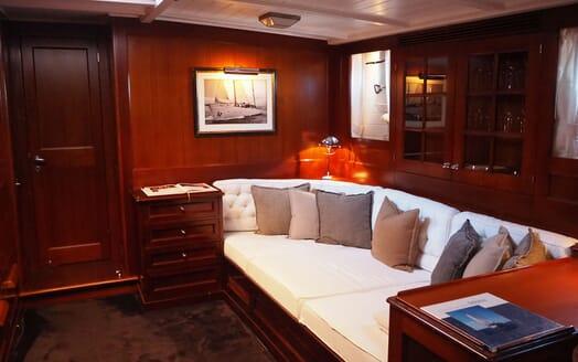 Sailing Yacht IDUNA Seating