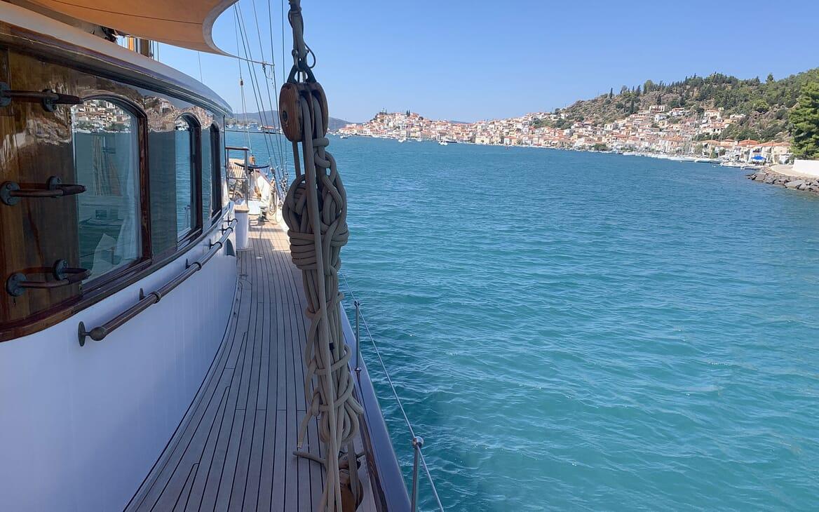 Sailing Yacht IDUNA Walkway with View