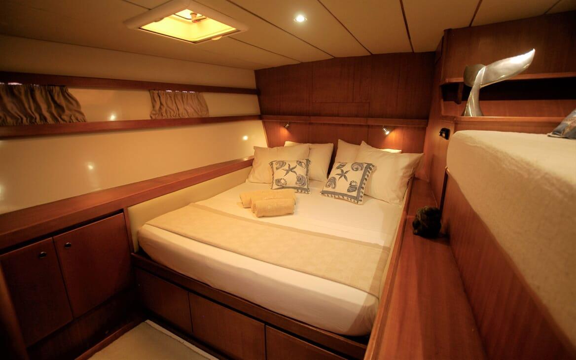Sailing Yacht LONE STAR Master Stateroom