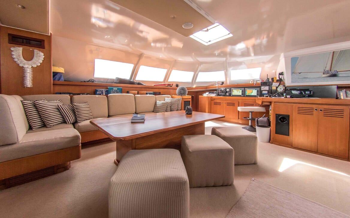 Sailing Yacht LONE STAR Main Saloon Seating