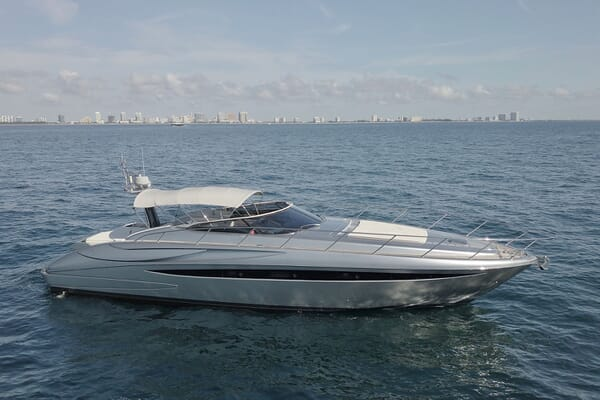 Motor Yacht CAVALLO 52 Side Profile