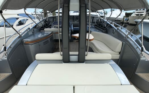Motor Yacht CAVALLO 52 Aft Interior View