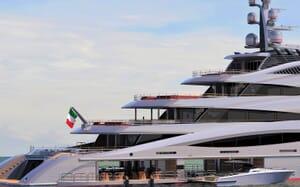 Motor Yacht CENTURY X Aft with Jetskis