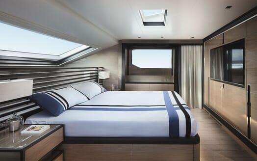 Motor Yacht REINE D AZUR Master Stateroom