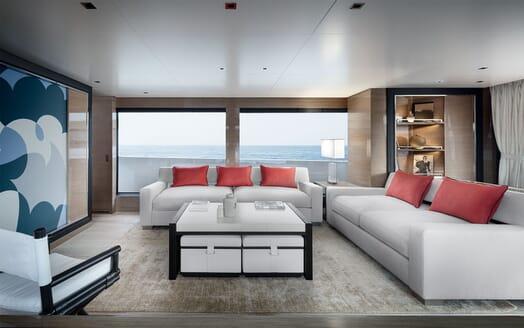 Motor Yacht REINE D AZUR Saloon Seating